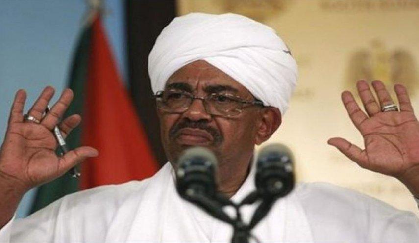 حزب سعودي للسودانيين: استمروا في اعتصامكم