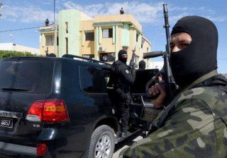 توقيف السطات التونسية مجموعتين مسلحتين فرنسيتين