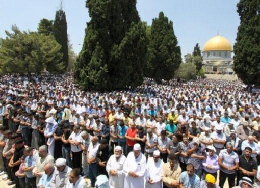40 ألفًا يصلون الجمعة بالمسجد الأقصى