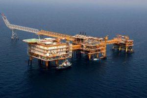 """رغم الحظر.. ايران تركب منصة بحرية جديدة بحقل """"بارس الجنوبي"""""""