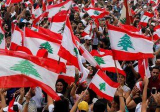 الشارع اللبناني يستعيد نشاطه بإعلان أسبوع الغضب في البلاد