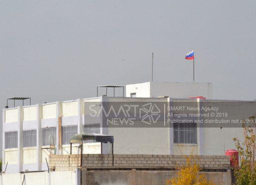 وحدة للجيش السوري تمنع قوة أمريكية من إنزال العلم الروسي بريف الحسكة