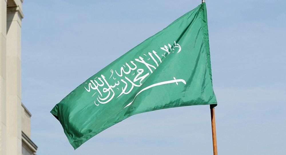 لماذا لم تنكس السعودية أعلامها عقب وفاة السلطان قابوس،،
