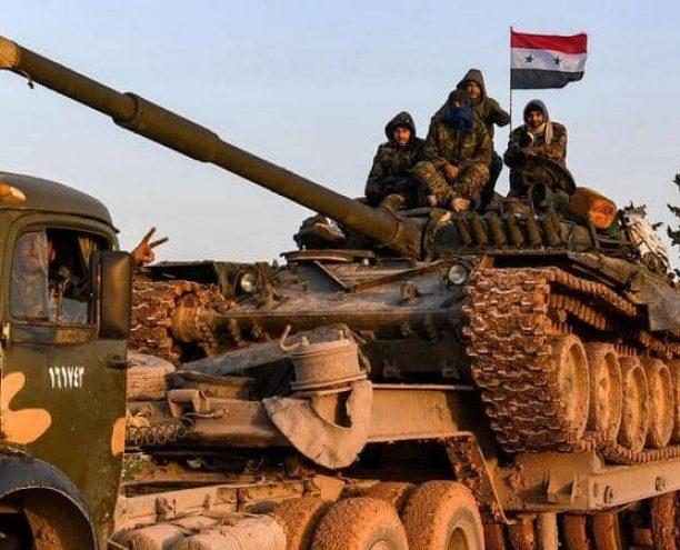 بالفيديو..الجيش السوري يمهد ناريا تجاه مواقع المسلحين بريف حلب.